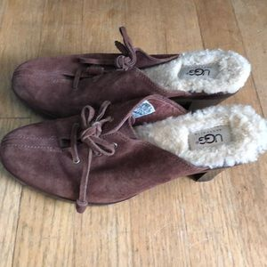 BNWOT size 9 UGG Brown clogs